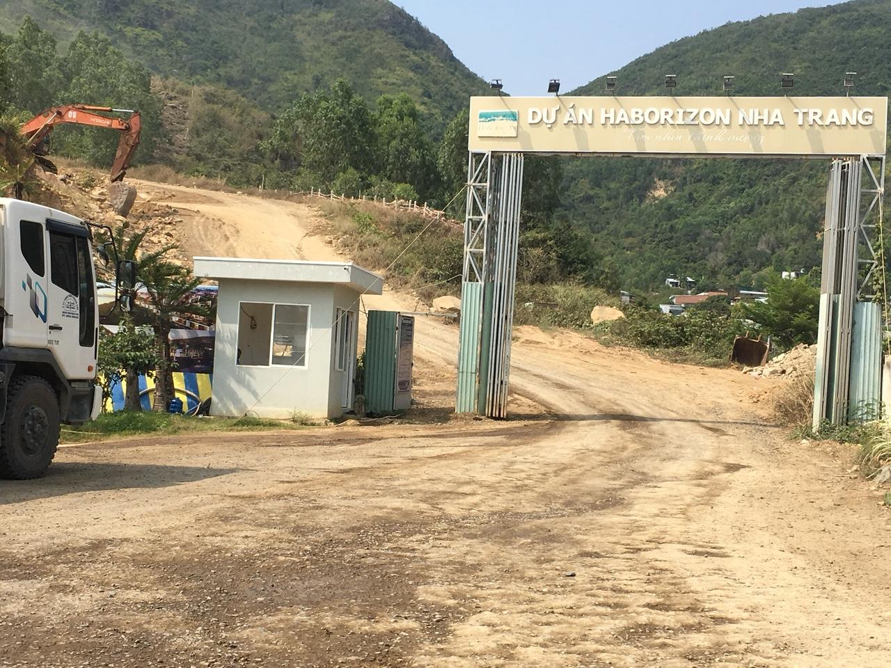 Vụ nổ mìn ở dự án Haborizon Nha Trang: Chủ đầu tư đã hỗ trợ cho các hộ dân bị nứt nhà - Ảnh 3.