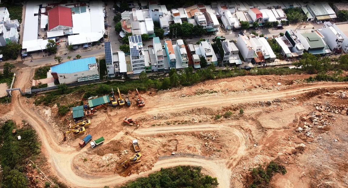 Vụ nổ mìn ở dự án Haborizon Nha Trang: Chủ đầu tư đã hỗ trợ cho các hộ dân bị nứt nhà - Ảnh 2.