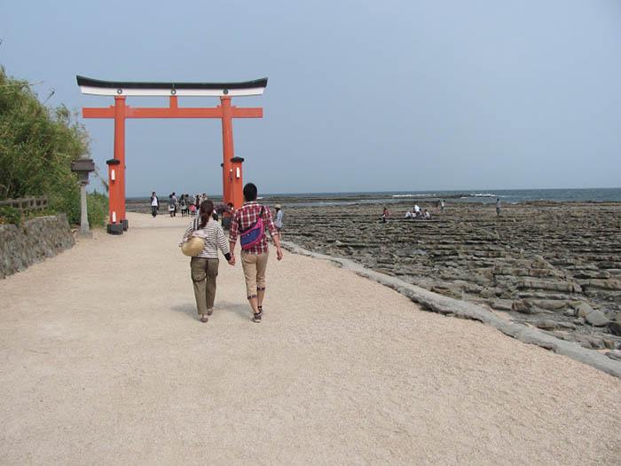"""Nhật Bản: Đá thiêng Âm Dương và các biểu tượng """"của quý"""" độc lạ tại đền thờ Inyoseki - Ảnh 2."""