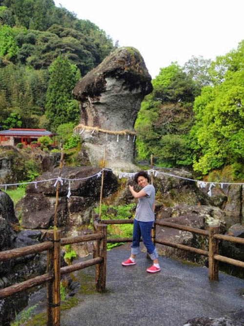 """Nhật Bản: Đá thiêng Âm Dương và các biểu tượng """"của quý"""" độc lạ tại đền thờ Inyoseki - Ảnh 3."""