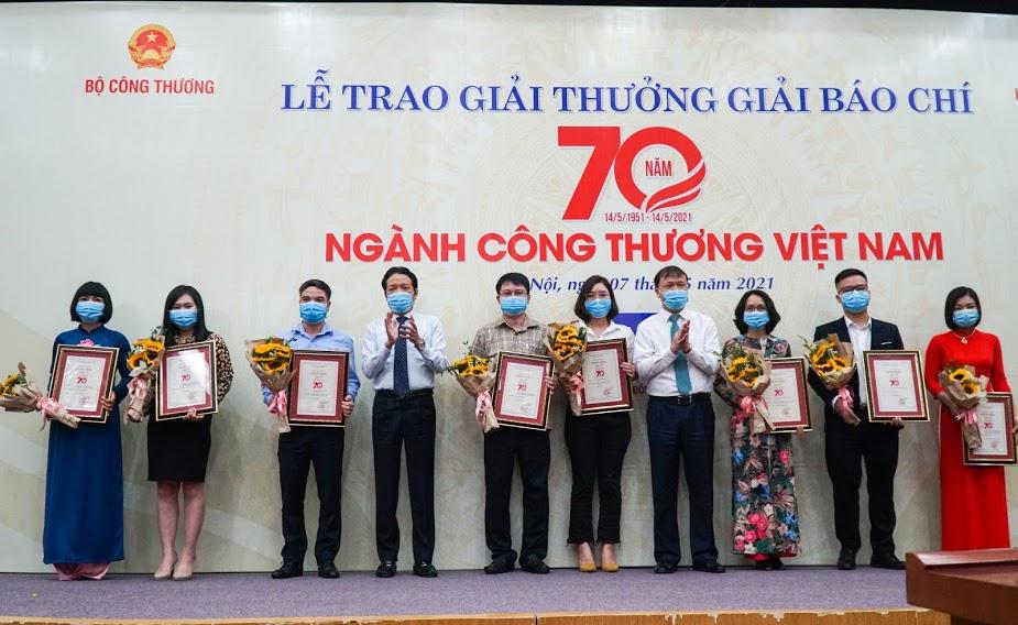 Báo Dân Việt đạt giải báo chí 70 năm ngành Công Thương - Ảnh 2.