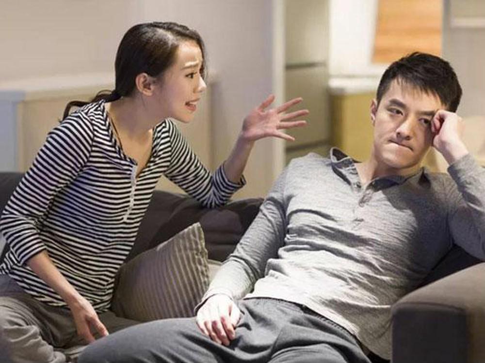 """""""Giải ngố"""" ở quán karaoke Sunny, chồng khổ sở vì bị vợ tra khảo - Ảnh 2."""