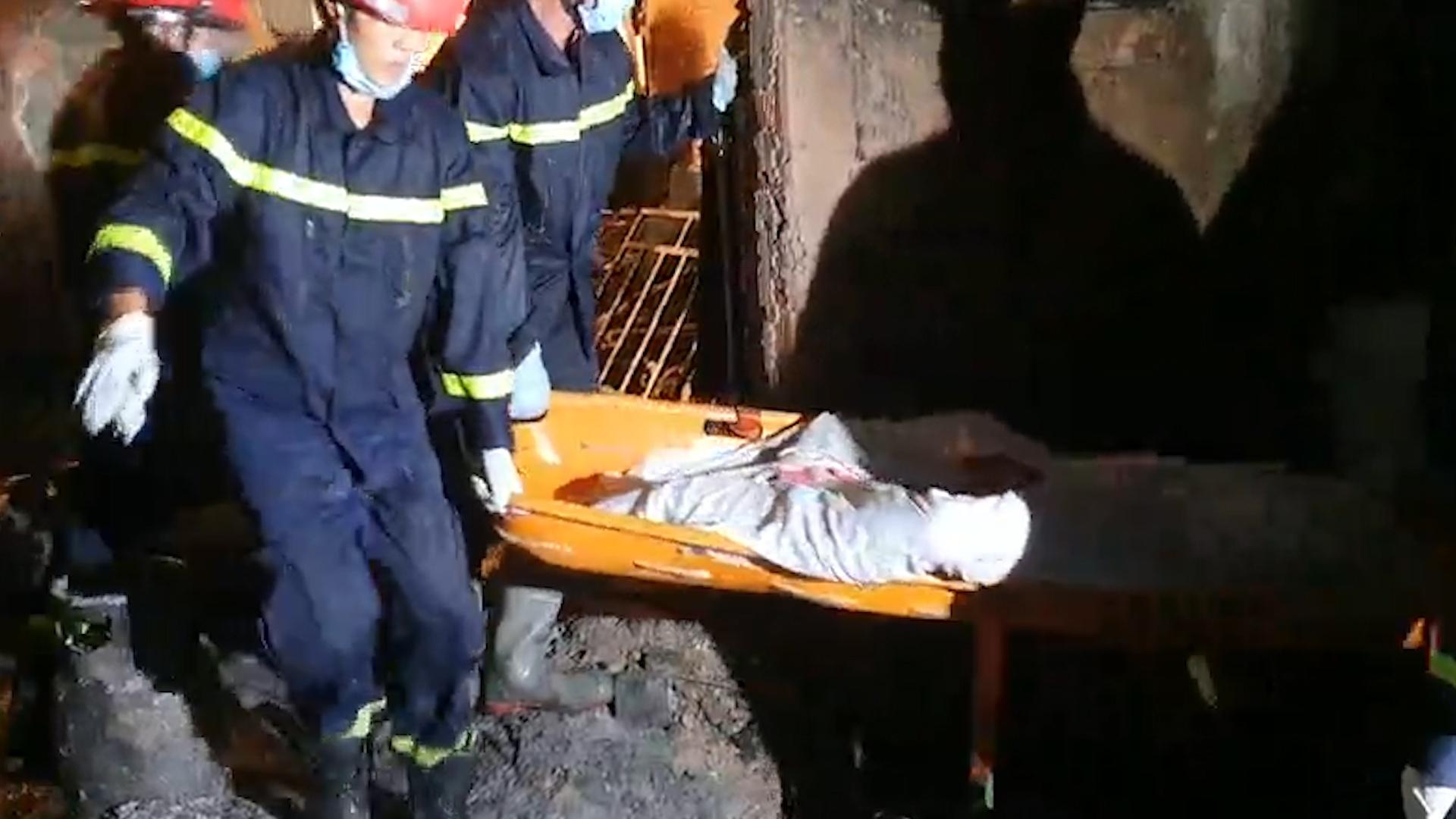 ẢNH-CLIP: Hiện trường bên trong căn nhà cháy làm 8 người chết ở TP.HCM - Ảnh 4.