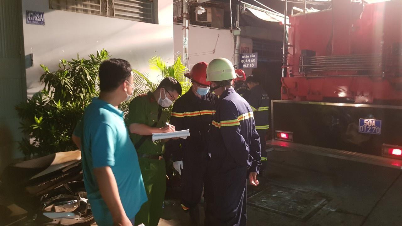 Nhân chứng vụ cháy làm 8 người chết ở TP.HCM: Các nạn nhân ở tầng 1 nên chạy ra không kịp - Ảnh 2.