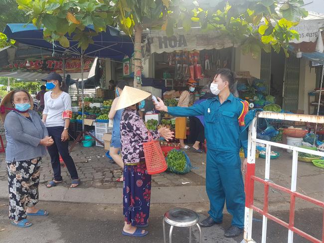 Đà Nẵng mở lại 1 chợ trung tâm vào ngày mai - Ảnh 1.