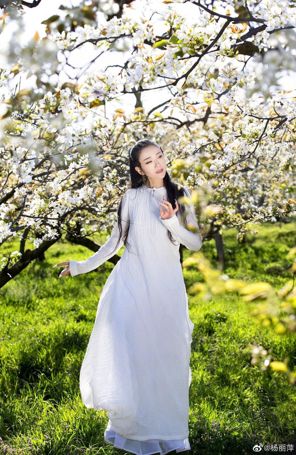 'Mai Siêu Phong' kinh điển không ăn cơm suốt 20 năm, trẻ đẹp khó tin ở tuổi ngoài 60 - Ảnh 9.