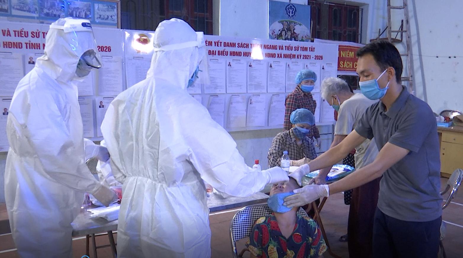 Bắc Ninh: 46 ca dương tính Covid-19, tỉnh Bắc Ninh họp khẩn cùng đoàn công tác Bộ Y tế - Ảnh 1.