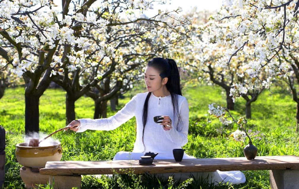'Mai Siêu Phong' kinh điển không ăn cơm suốt 20 năm, trẻ đẹp khó tin ở tuổi ngoài 60 - Ảnh 10.