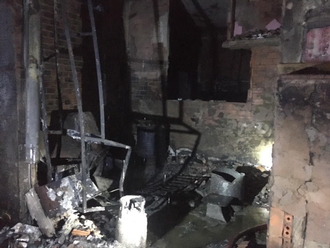 ẢNH-CLIP: Hiện trường bên trong căn nhà cháy làm 8 người chết ở TP.HCM - Ảnh 5.