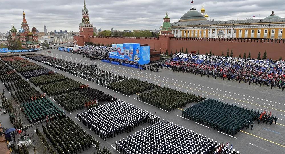 Nga rầm rộ diễu binh mừng Ngày Chiến thắng - Ảnh 1.