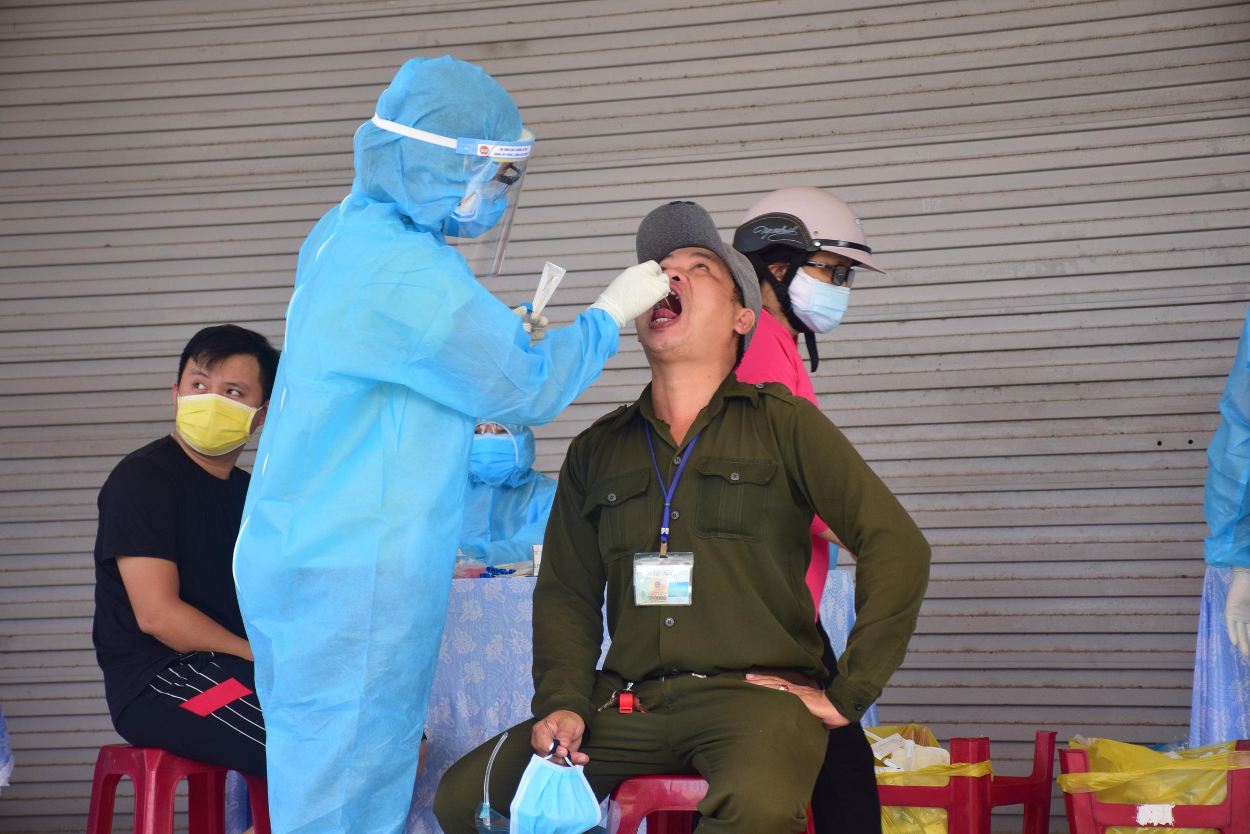 Thêm một ca nghi nhiễm Covid-19, Quảng Nam lập 7 chốt phòng chống dịch - Ảnh 3.