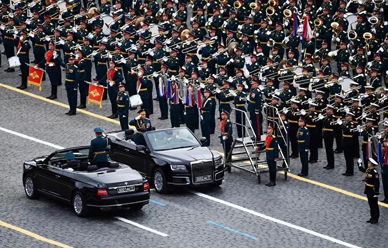Nga rầm rộ diễu binh mừng Ngày Chiến thắng - Ảnh 2.