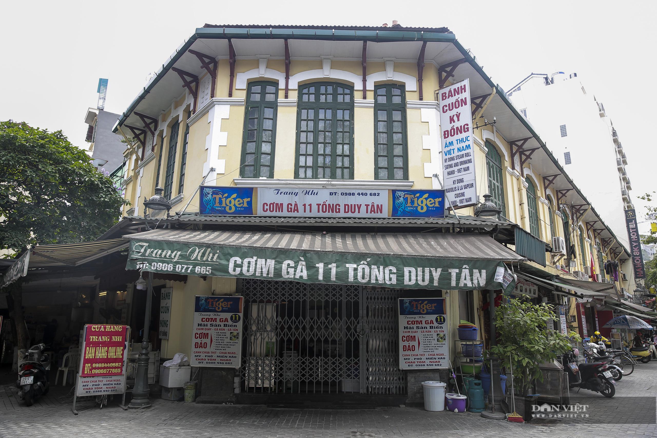 """Những phố ẩm thực """"không ngủ"""" tại Hà Nội đóng cửa hàng loạt vì Covid-19 - Ảnh 8."""