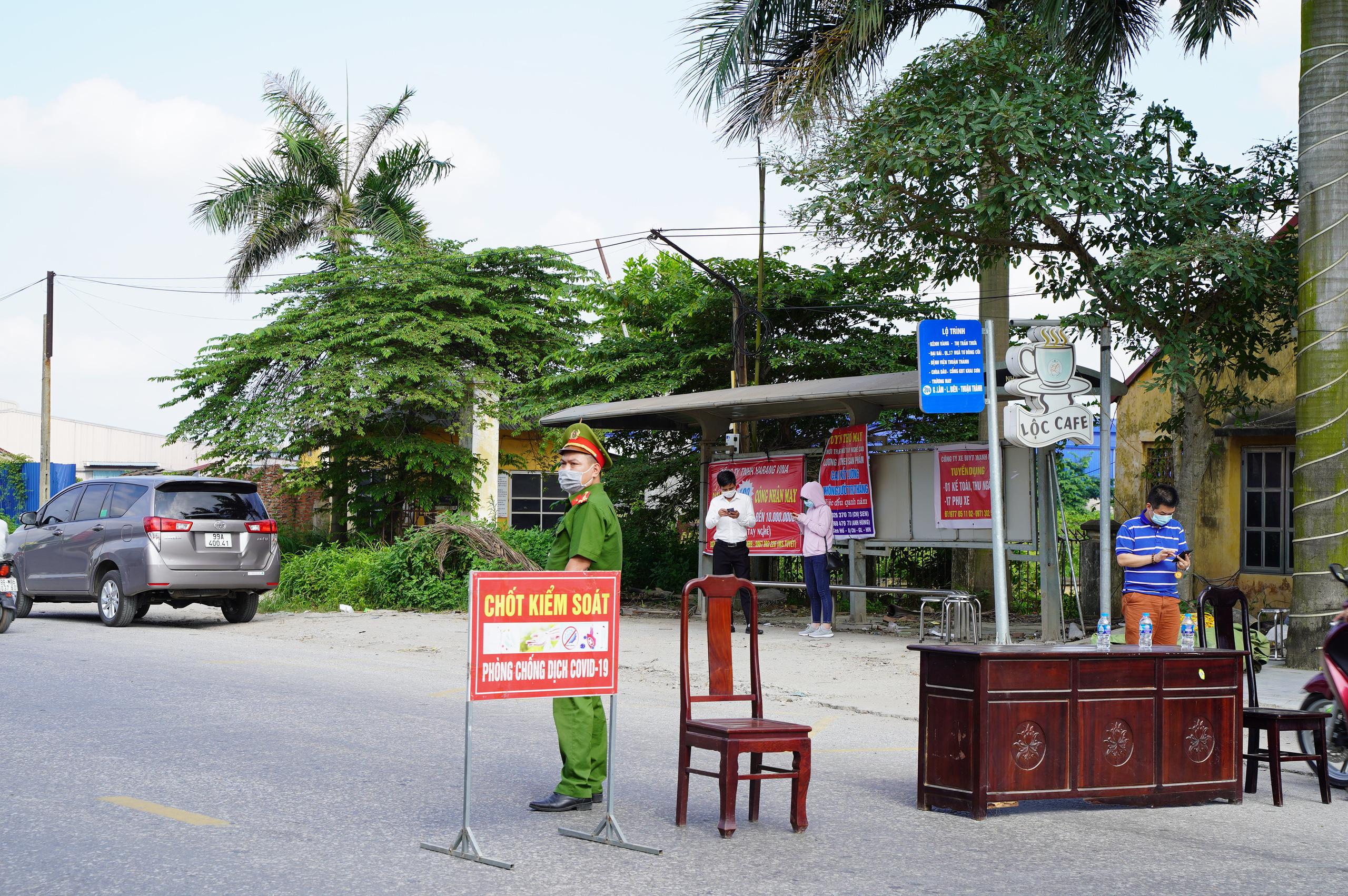 """Bắc Ninh: Huyện Thuận Thành phong toả, đoàn rước dâu  """"quay đầu xe""""  - Ảnh 2."""