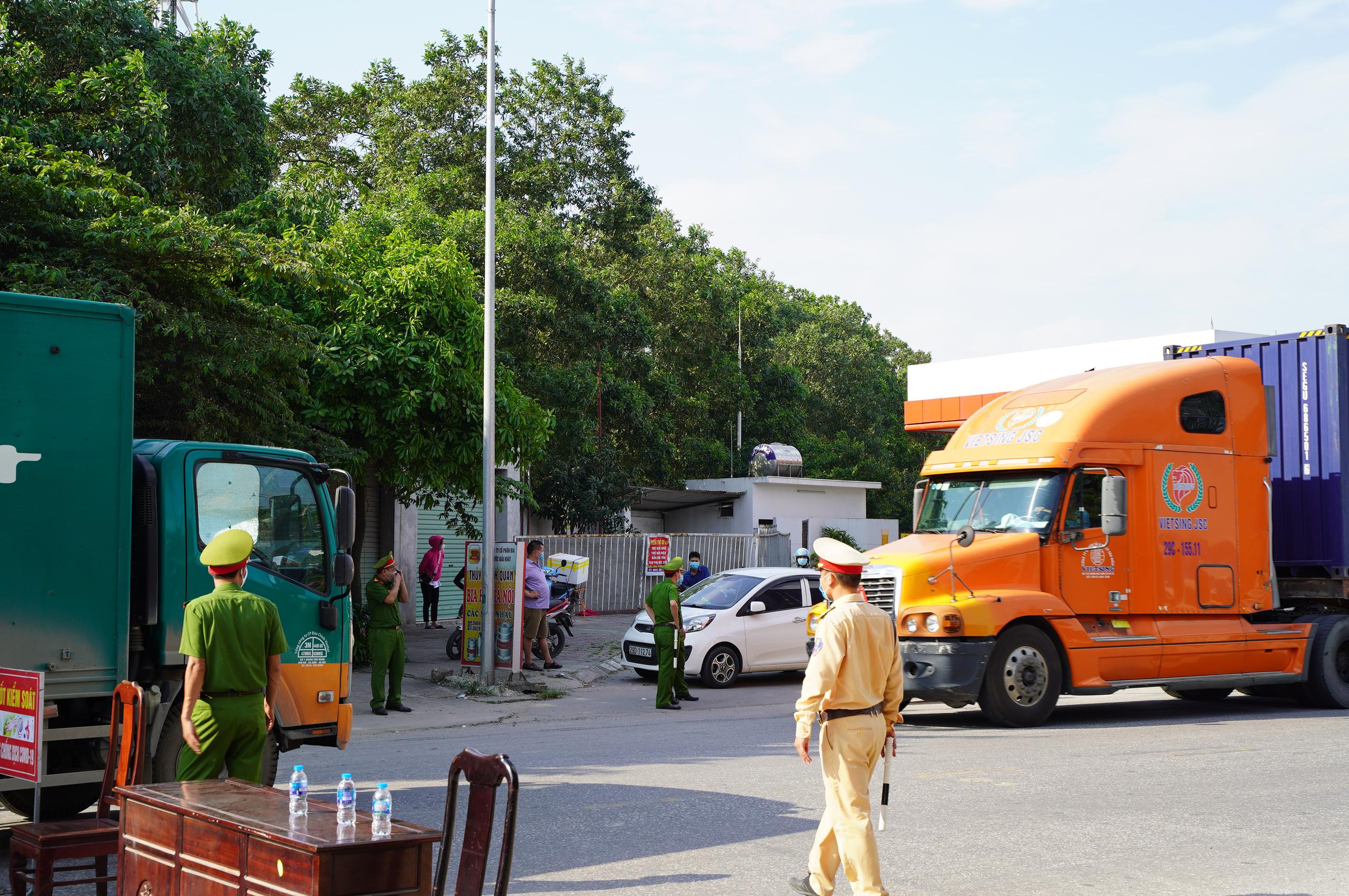 """Bắc Ninh: Huyện Thuận Thành phong toả, đoàn rước dâu  """"quay đầu xe""""  - Ảnh 3."""