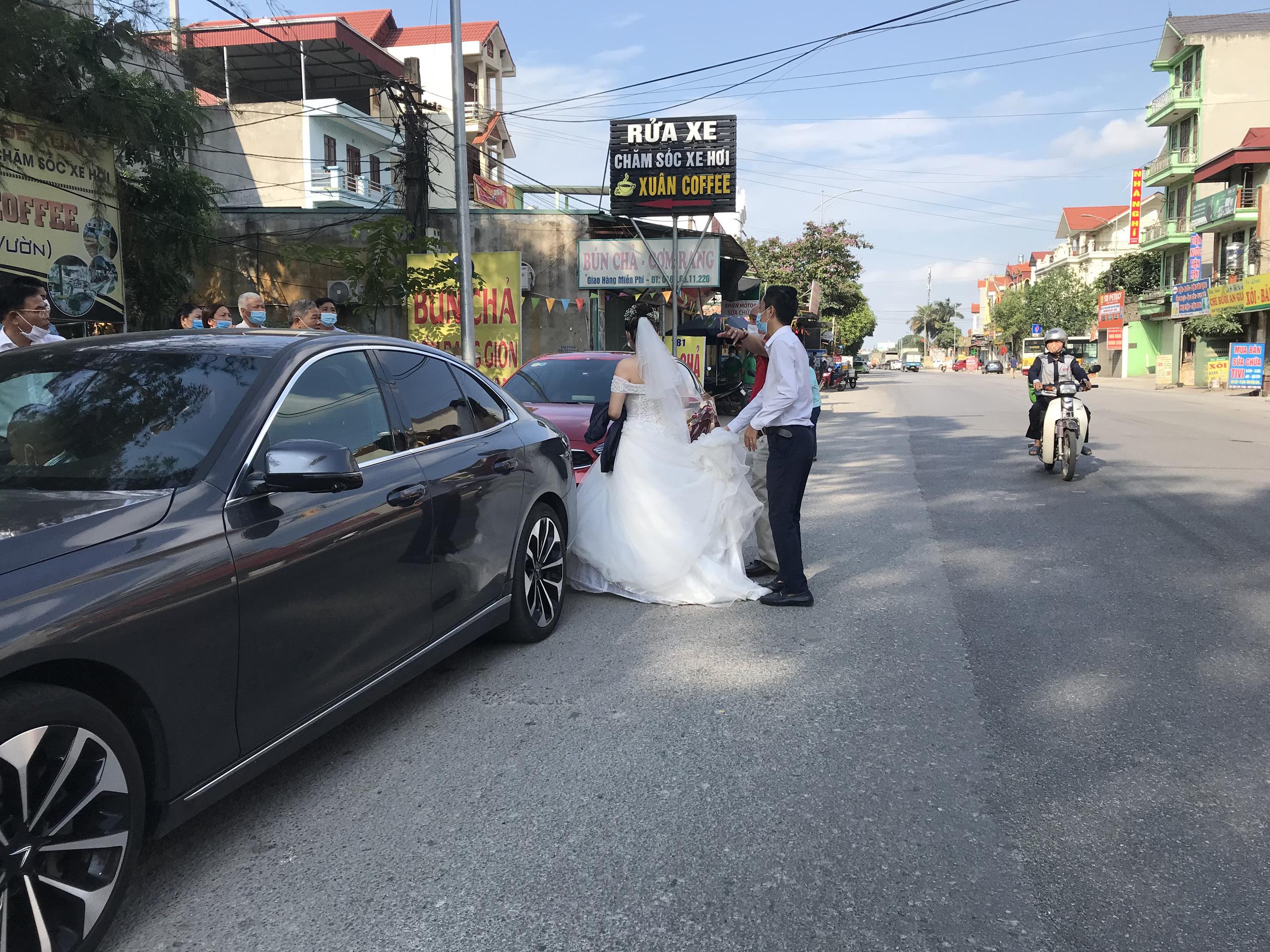 """Bắc Ninh: Huyện Thuận Thành phong toả, đoàn rước dâu  """"quay đầu xe""""  - Ảnh 8."""
