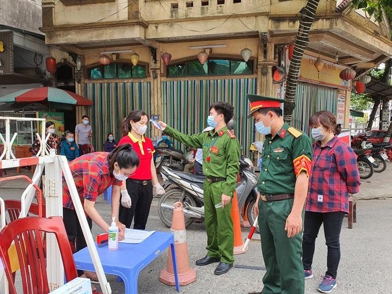 Vĩnh Phúc cách ly xã hội toàn bộ Thị trấn Yên Lạc - Ảnh 1.