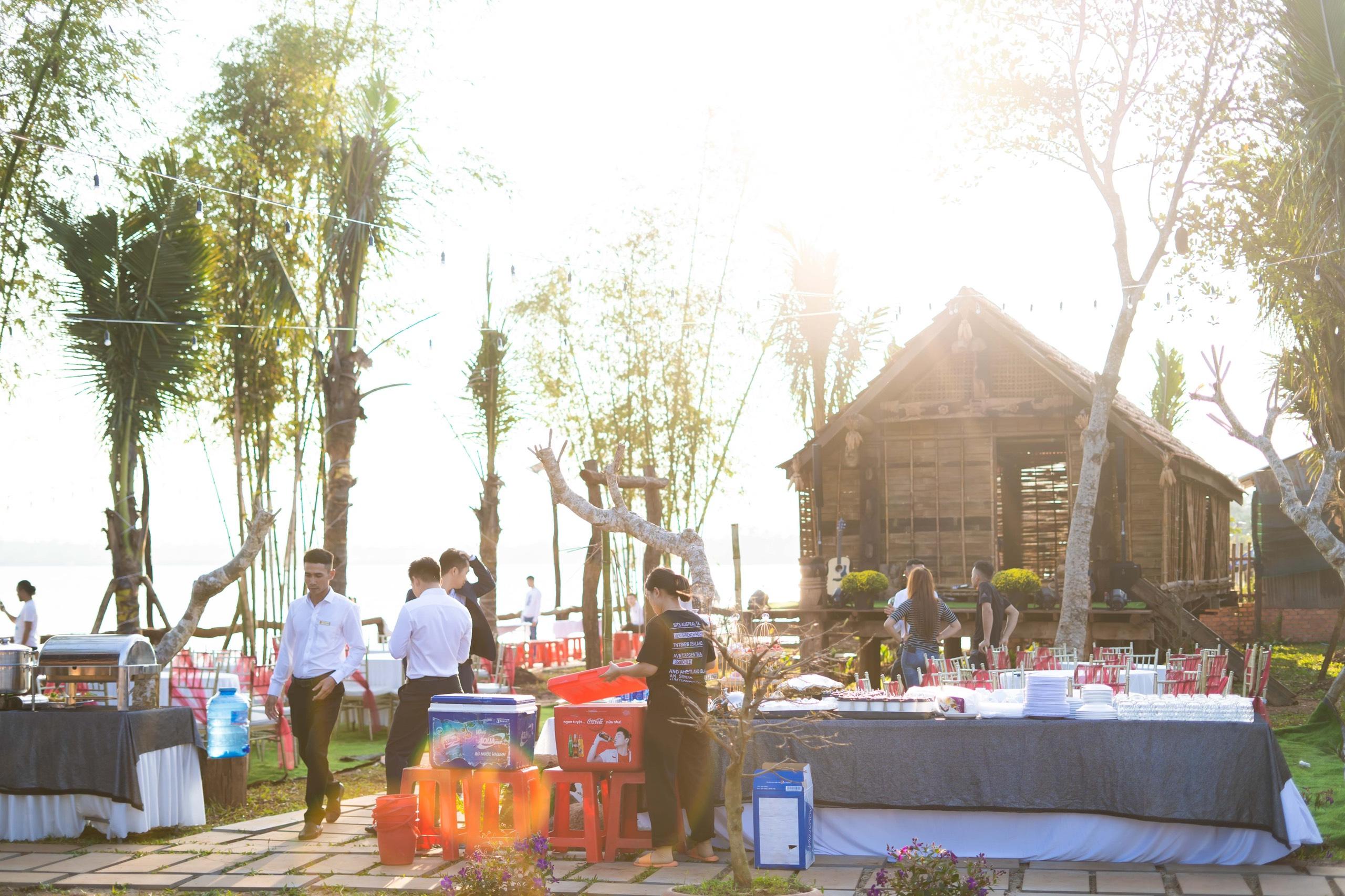 """Đắk Lắk: Giới trẻ mê mẩn điểm chụp hình """"sống ảo"""" đẹp nao lòng giữa TP Buôn Ma Thuột - Ảnh 11."""