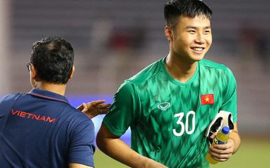 Thủ môn Văn Toản cản penalty trước Jordan, thầy Park... lo lắng