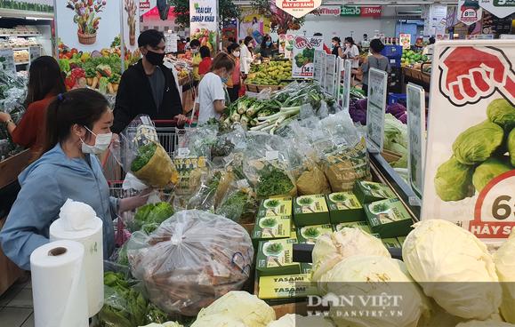 TP.HCM giãn cách xã hội: Người dân ngồi ở nhà đi siêu thị, còn được khuyến mãi hà rầm - Ảnh 1.