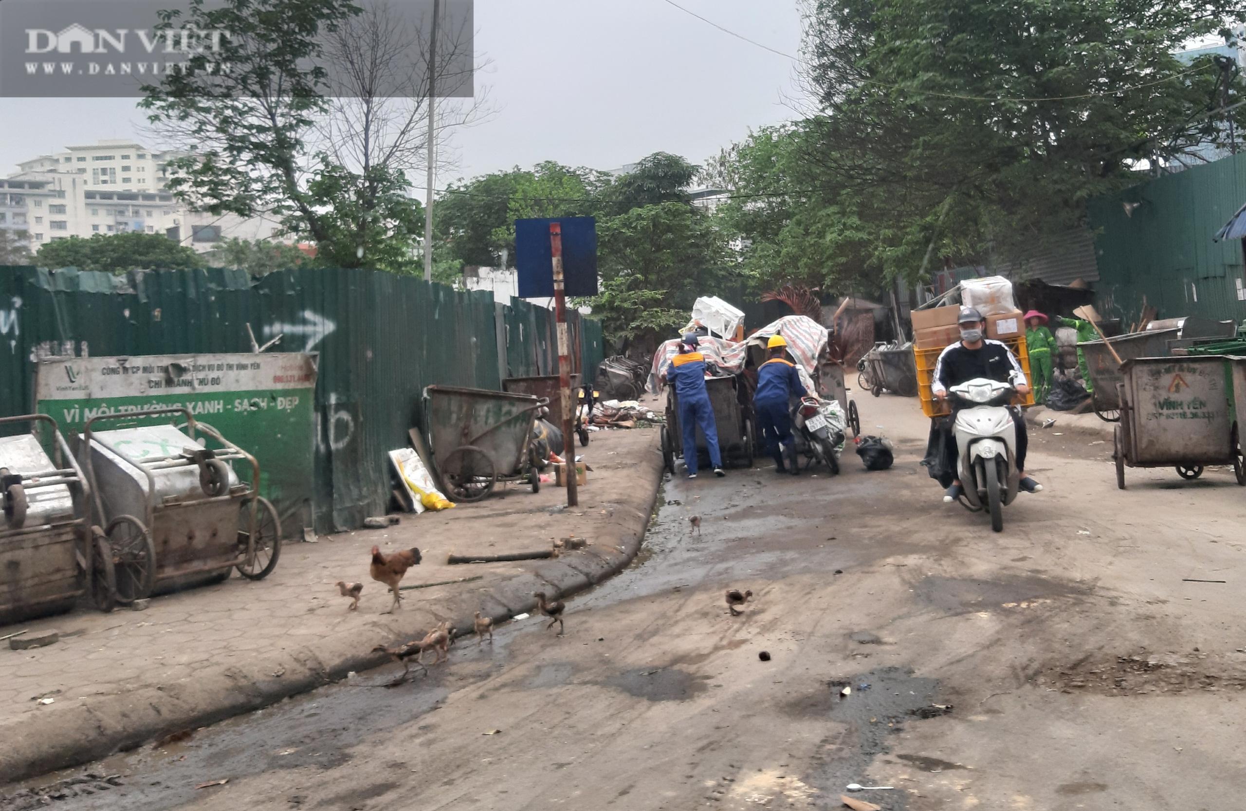 Bài 2: Tràn lan hình ảnh gây ô nhiễm của các công ty bảo vệ môi trường giữa thủ đô - Ảnh 1.