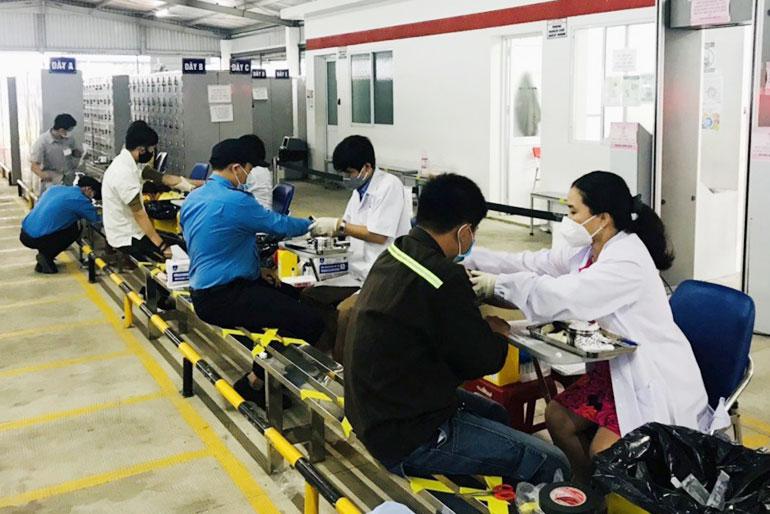 Phú Yên: Sản xuất công nghiệp đảm bảo tăng trưởng giữa áp lực Covid-19 - Ảnh 2.