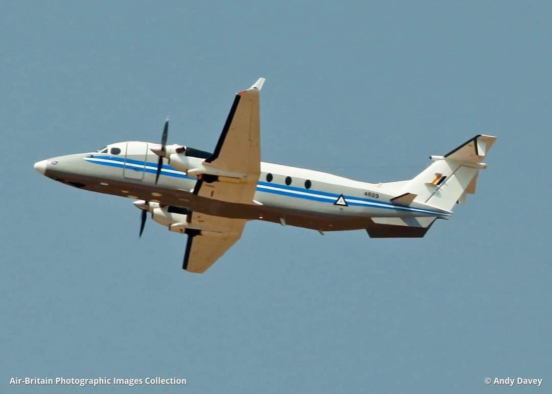Ít nhất 12 người thiệt mạng trong vụ rơi máy bay quân sự ở Myanmar - Ảnh 1.