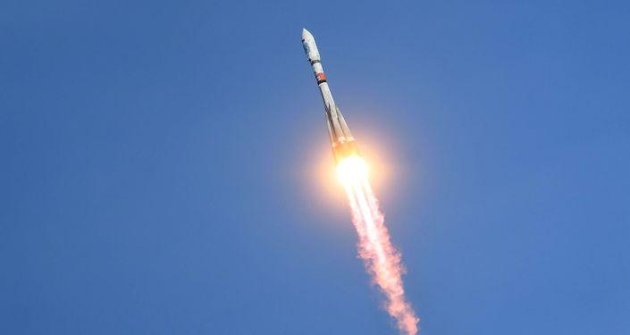 Mỹ lo ngại vệ tinh do Nga sản xuất sẽ tăng cường khả năng quân sự của Iran  - Ảnh 1.