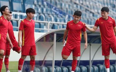 Đội hình xuất phát Việt Nam vs Malaysia: Trọng Hoàng, Văn Hậu đá chính