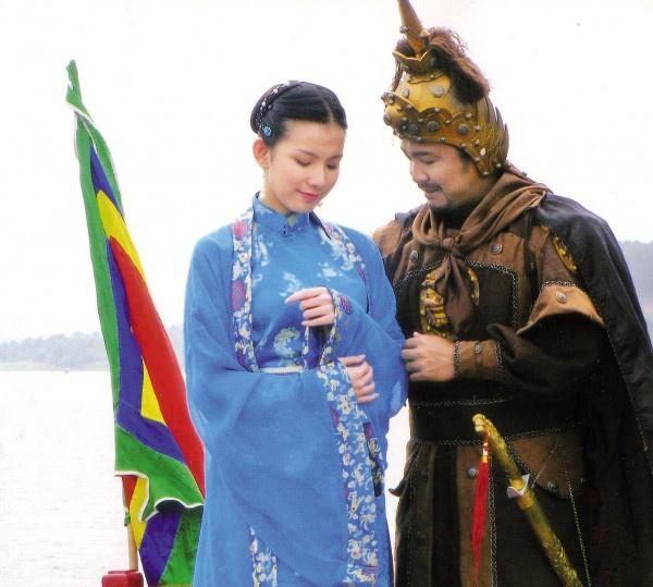 Những hoa hậu Việt đã đẹp còn mang thêm danh diễn viên - Ảnh 10.