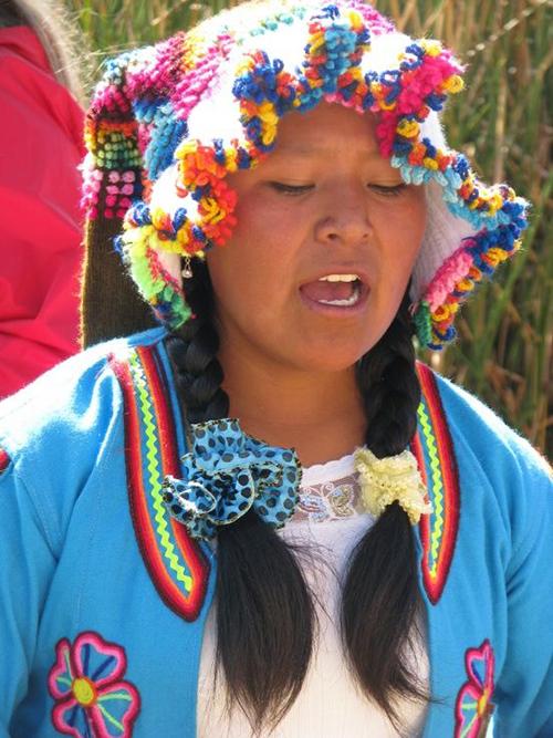 """Quần đảo lau sậy độc lạ của """"bộ lạc thảm bay"""" trên hồ Titicaca cao nhất thế giới - Ảnh 10."""