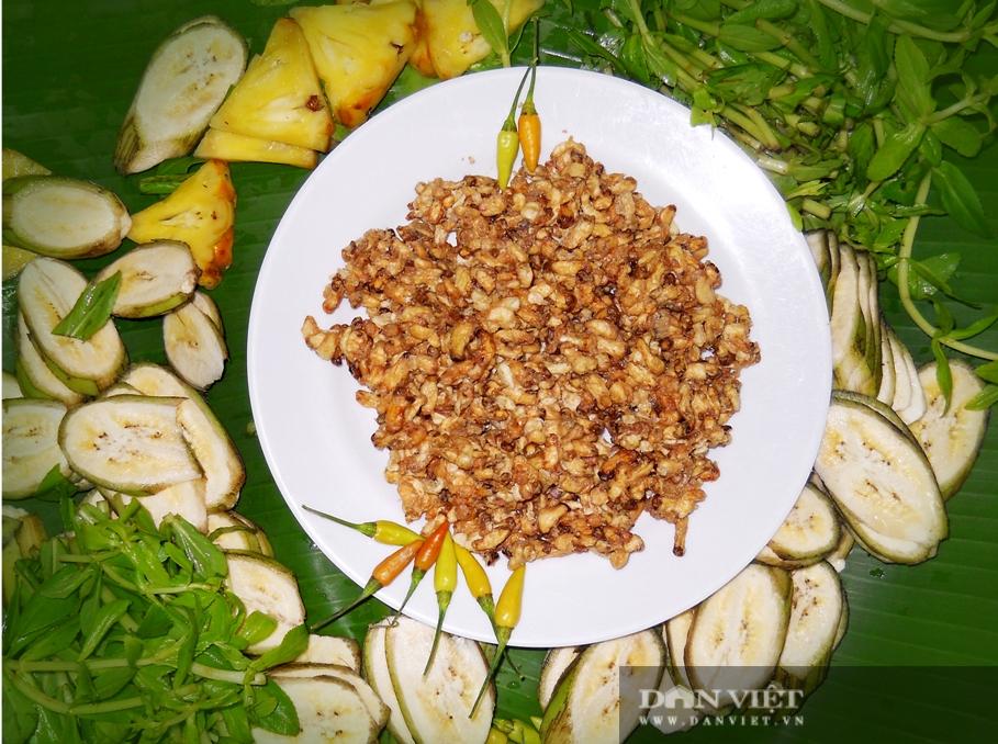 Điểm qua những món đặc sản từ nhộng ong, nhìn thì sợ nhưng ăn thì ghiền - Ảnh 6.
