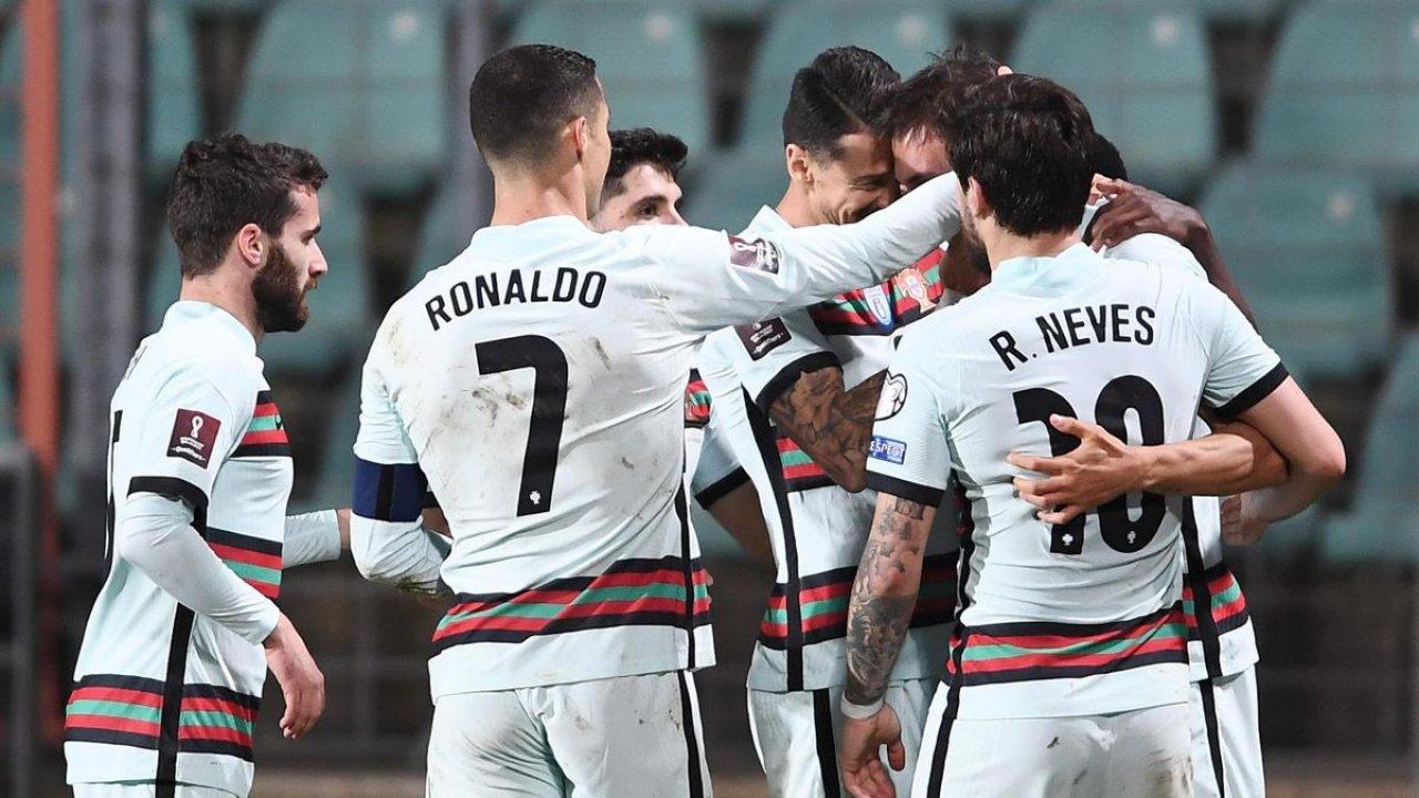 EURO 2020: Giải đấu của những lần đầu tiên và 8 ứng cử viên cho chức vô địch quả là 'cuộc chiến thượng lưu' - Ảnh 6.