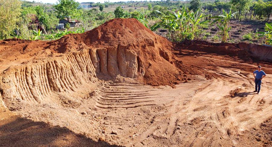 """Vụ khai thác """"trộm đất"""" để làm đường 460 tỷ: UBND tỉnh Gia Lai ra quyết định xử phạt 146 triệu đồng - Ảnh 1."""