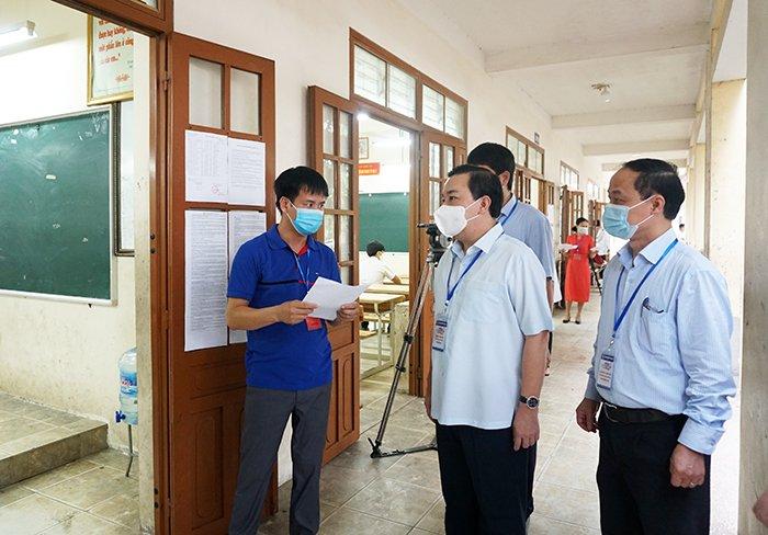 Phó Chủ tịch Hà Nội Chử Xuân Dũng: Đã có nhiều chỉ đạo sâu sát để kỳ thi diễn ra an toàn, thành công - Ảnh 1.