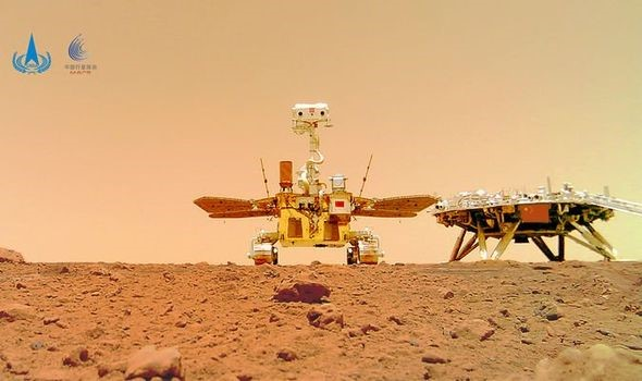 Những hình ảnh thú vị được gửi về từ tàu thám hiểm sao Hỏa của Trung Quốc - Ảnh 1.