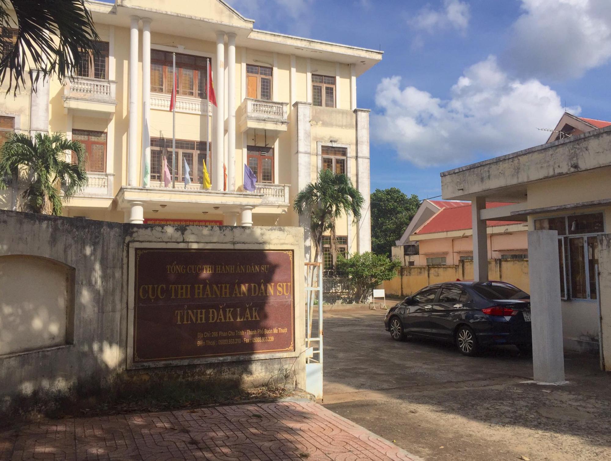 Chậm khắc phục sai phạm, Cục Thi hành án dân sự tỉnh Đắk Lắk tiếp tục bị tố cáo  - Ảnh 1.