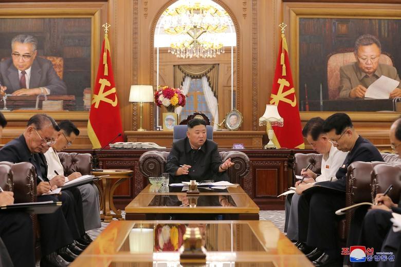 Ảnh thế giới 7 ngày qua: Từ khai mạc Hội nghị thượng đỉnh G7 đến ông Kim Jong Un họp tại Bình Nhưỡng - Ảnh 3.