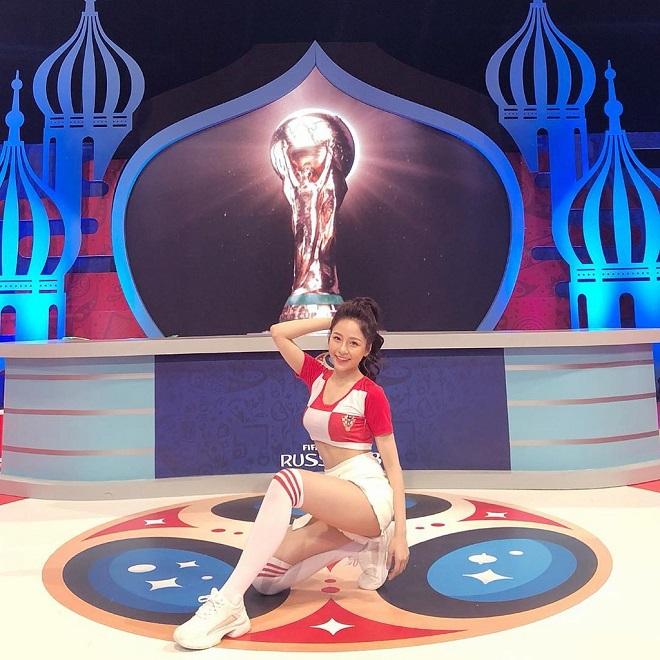 Hot girl Trâm Anh tung ảnh gợi cảm cổ vũ đội tuyển Croatia ở Euro 2020 - Ảnh 6.