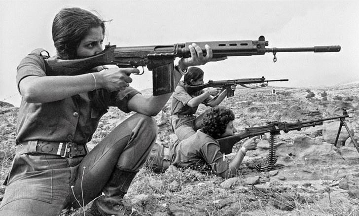 Đây là khẩu súng trường phương Tây là đối thủ của AK-47 trong chiến tranh Lạnh - Ảnh 5.