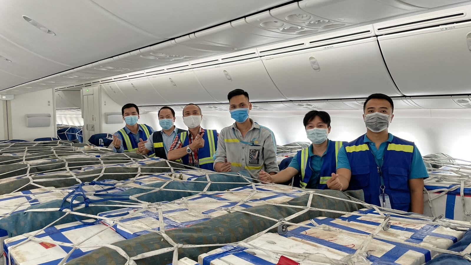 Các hãng hàng không ưu đãi vận chuyển vải thiều Bắc Giang - Ảnh 2.