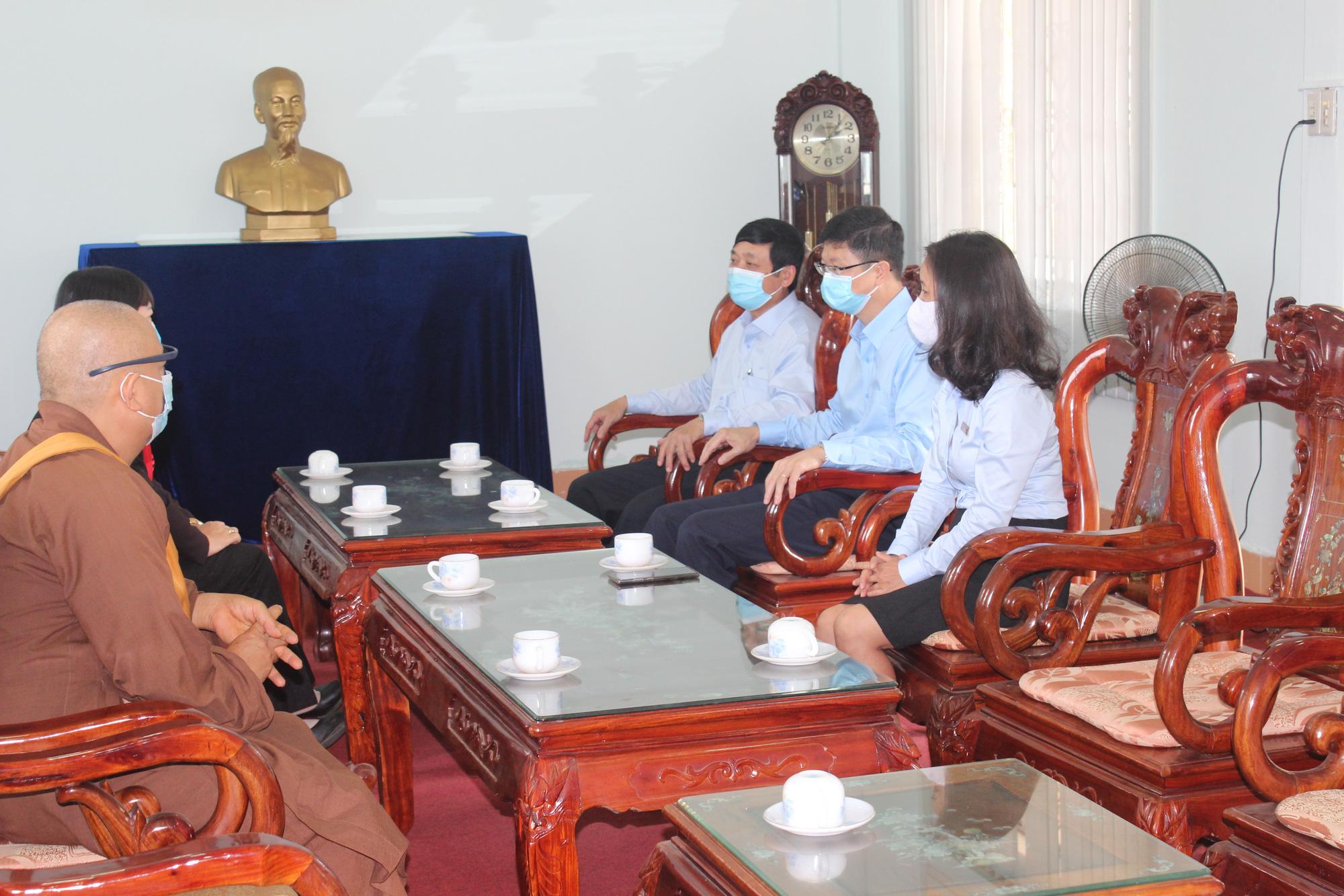 PC Gia Lai ủng hộ quỹ vắc xin phòng, chống dịch Covid-19 300 triệu đồng - Ảnh 2.