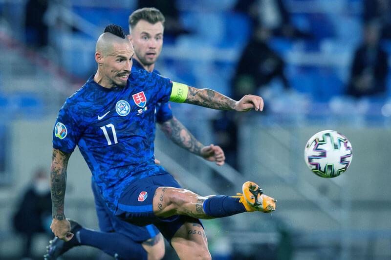 Nhận định tỷ lệ thẻ vàng Ba Lan vs Slovakia (23h00 ngày 14/6) - Ảnh 1.
