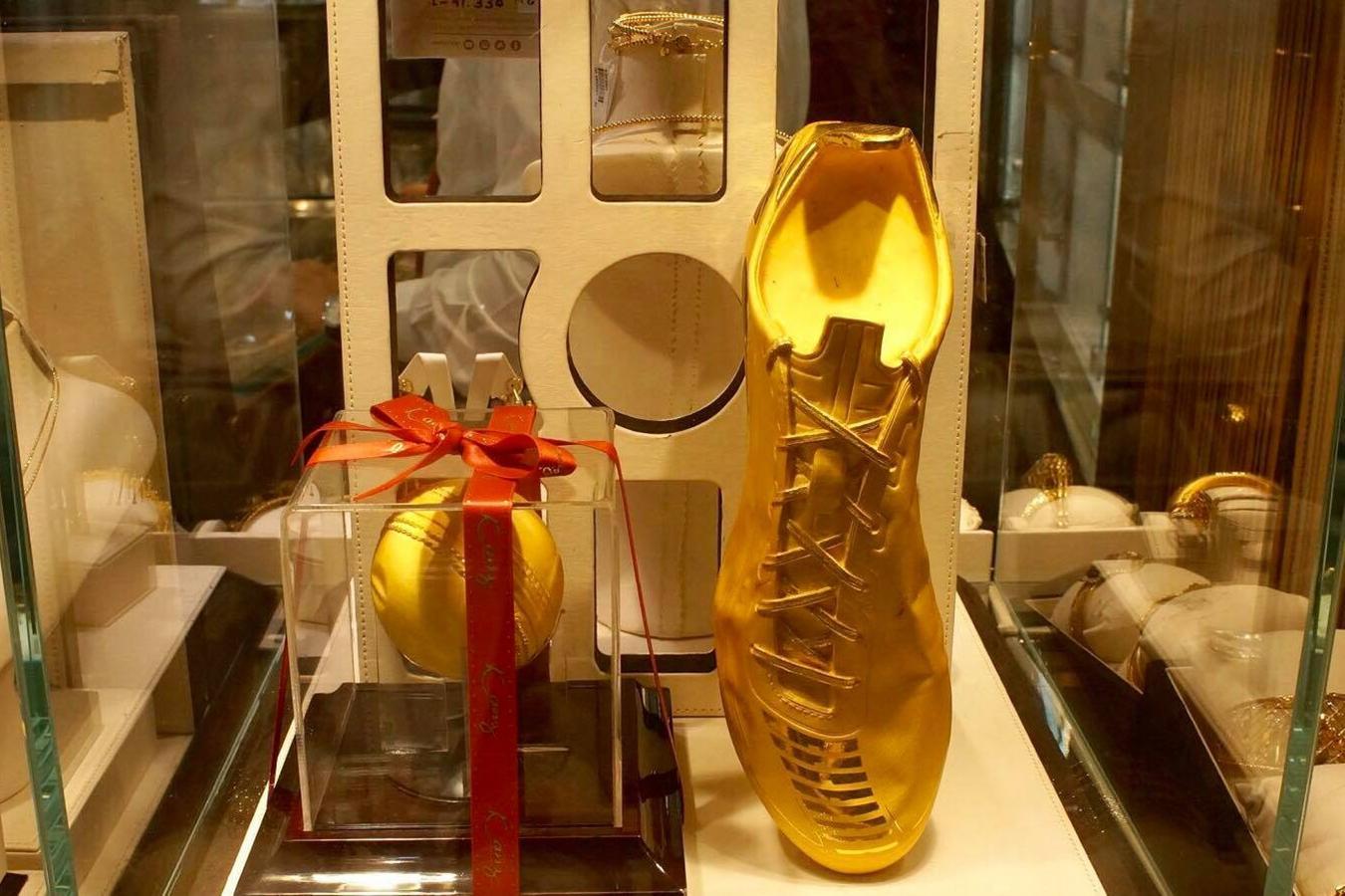 Lóa mắt trước khu chợ toàn bằng vàng ở UAE - Ảnh 5.