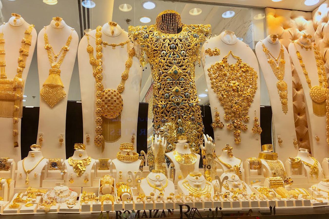 Lóa mắt trước khu chợ toàn bằng vàng ở UAE - Ảnh 7.