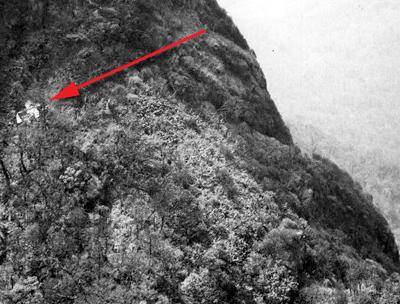 Cảnh tượng hiếm về máy bay Mỹ bị bắn rơi ở Việt Nam - Ảnh 2.