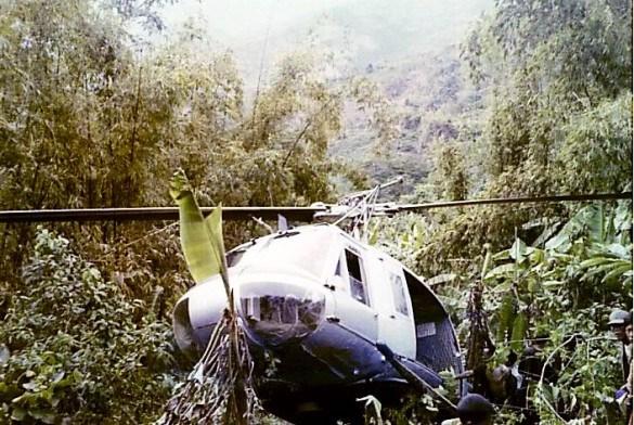 Cảnh tượng hiếm về máy bay Mỹ bị bắn rơi ở Việt Nam - Ảnh 10.