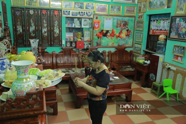 Mẹ hậu vệ Duy Mạnh sẽ làm cỗ, đãi con món sườn xào chua ngọt nếu Việt Nam đi tiếp tại VL World Cup 2022 - Ảnh 7.
