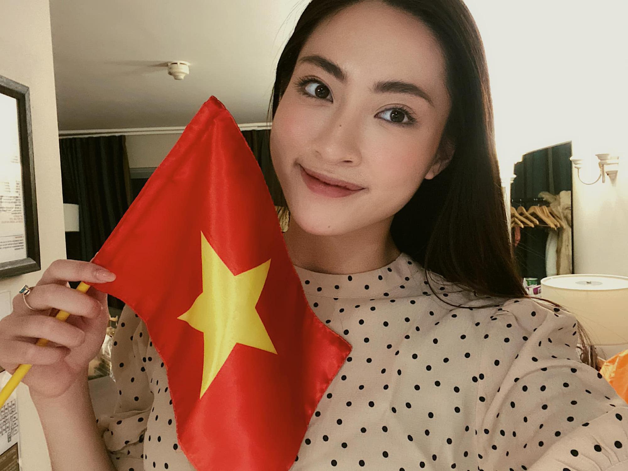 """Loạt mỹ nhân Việt nhiệt tình """"tiếp lửa"""" cho ĐT Việt Nam trước trận gặp UAE - Ảnh 1."""
