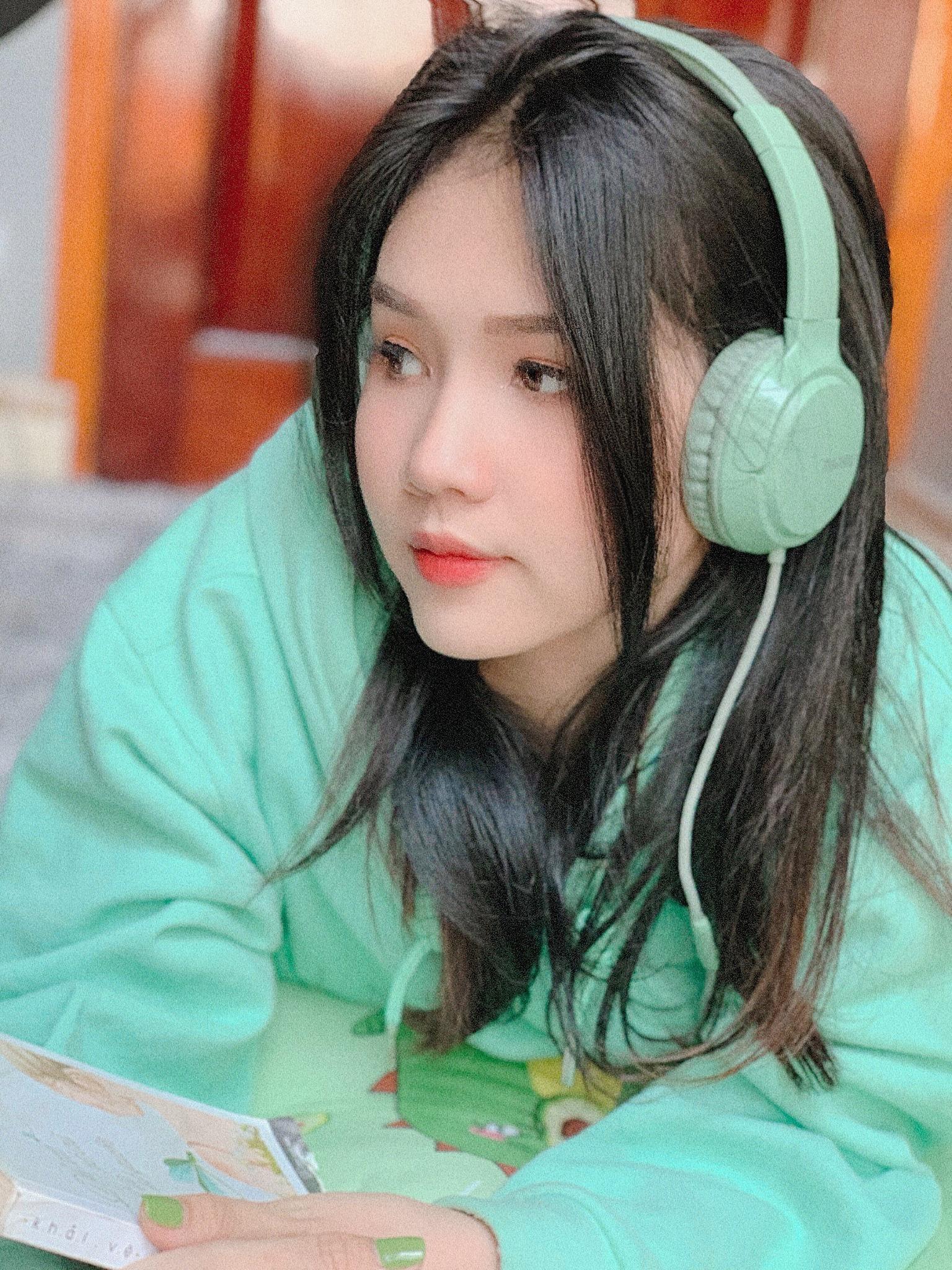 Cựu nữ sinh đẹp vạn người mê tựa Ngọc Trinh đoán tỉ số Việt Nam vs UAE, tin Việt Nam chiến thắng - Ảnh 12.